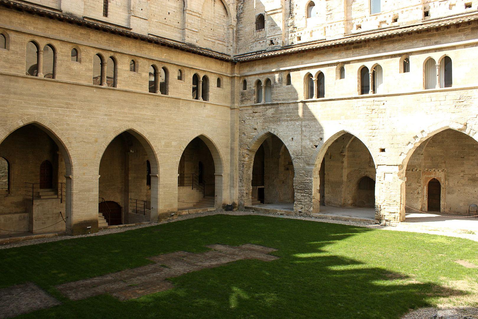 Avignon 42