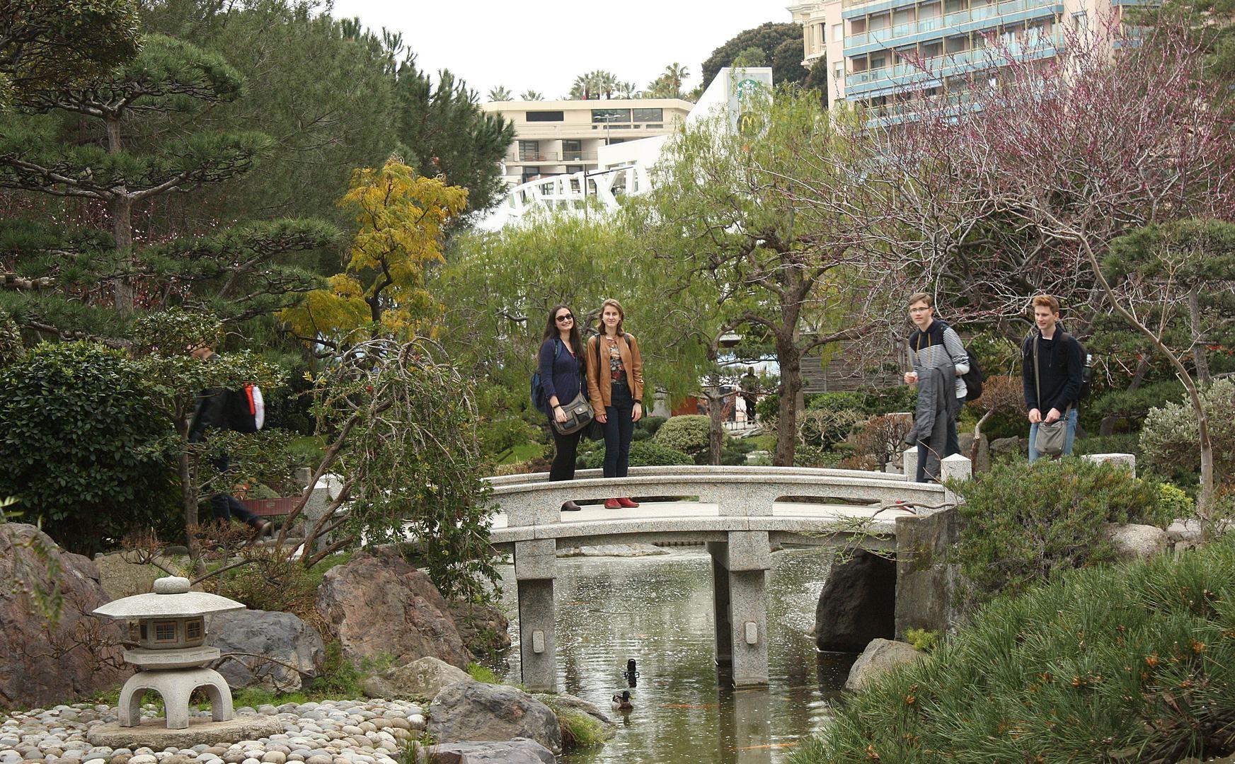 Monaco 32